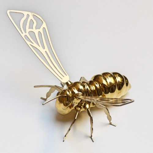 GOLDEN BEE of Roberto  Cambi Fumogallery